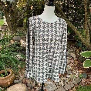 Maurices hounds tooth sweater